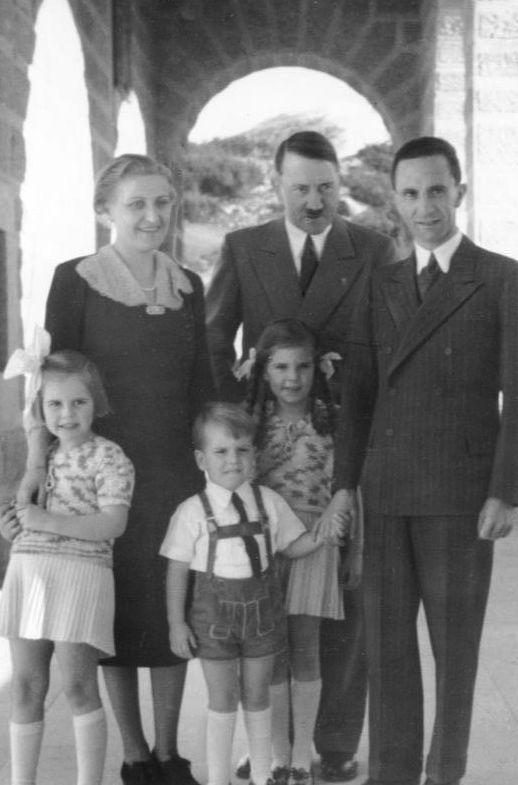 GoebbelsFamilyHitlerBaja
