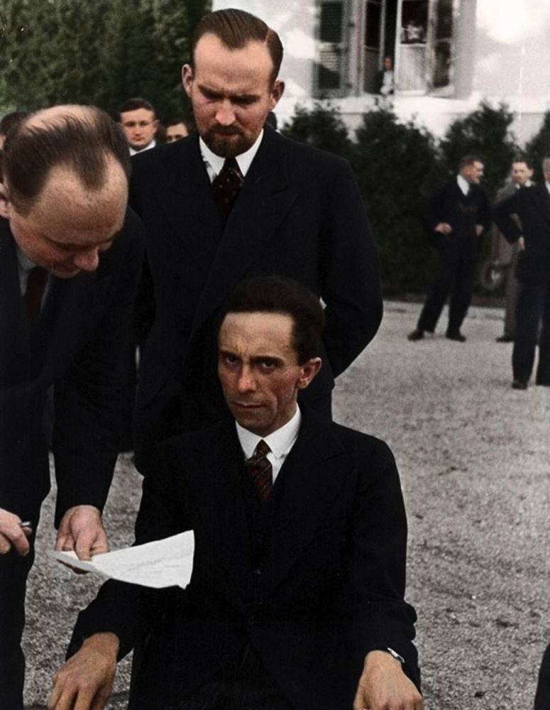 GoebbelsGlareColorBaja