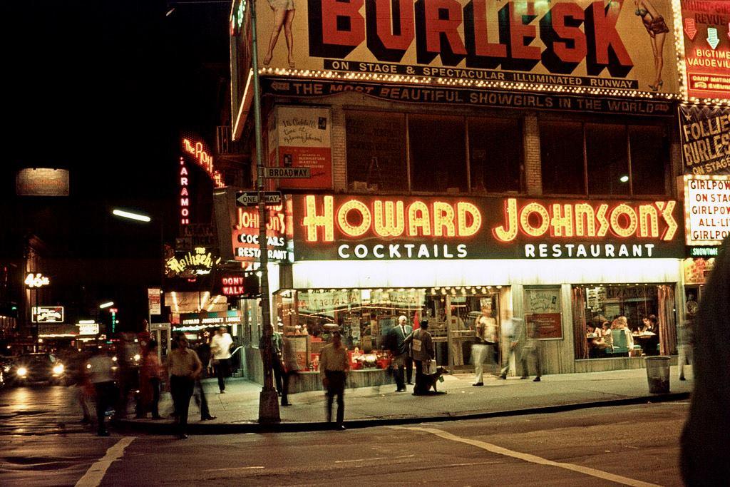 HoJosTimesSquare1971