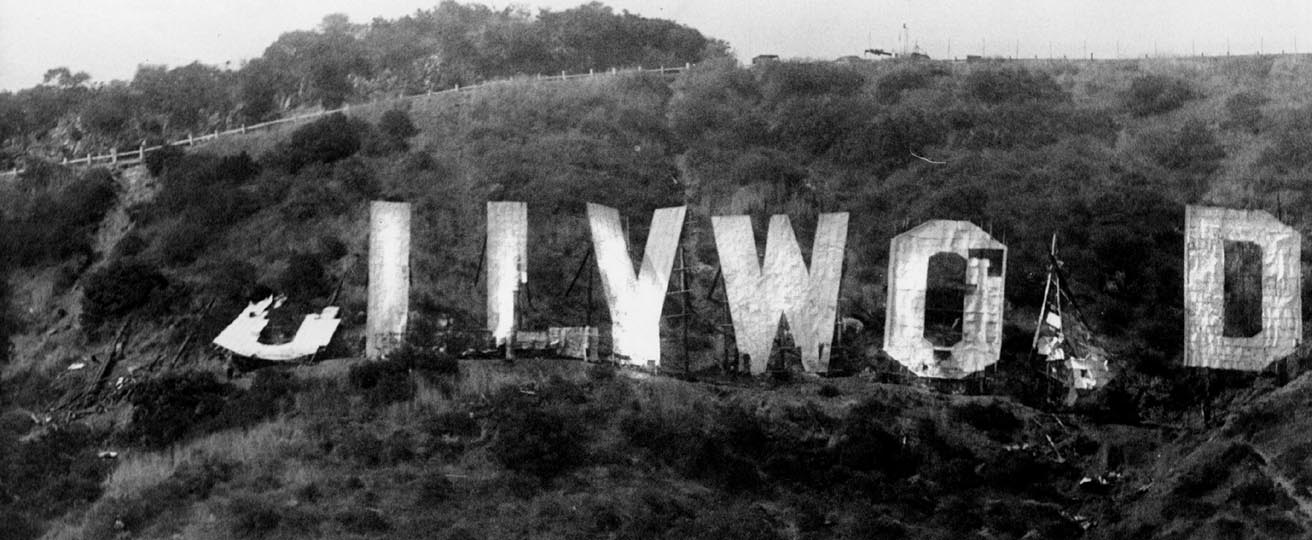 Hollywood-Sign-Decay