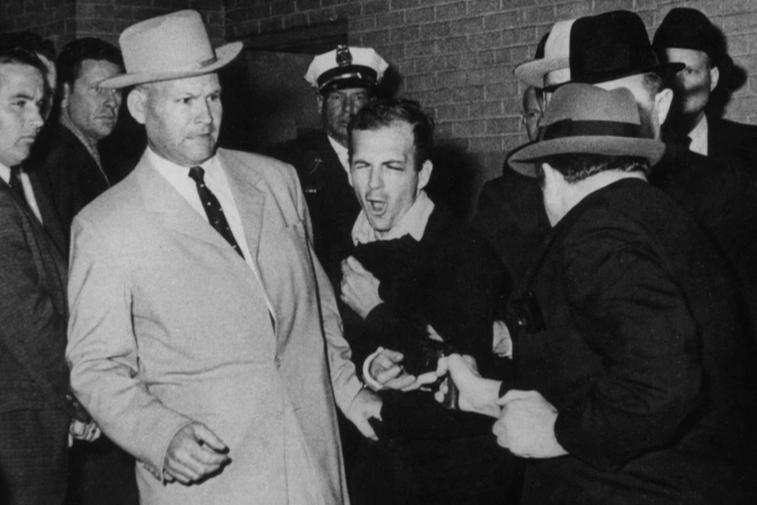The legendary Dallas police detective, James Leavelle, who was handcuffed to JFK assassin Lee Harvey Oswald when he was shot by Jack Ruby, has been honored by the Dallas Police Department.