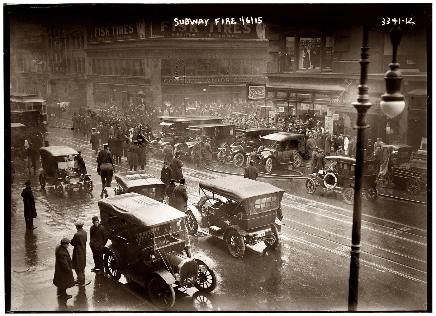 SubwayFireNYC1915